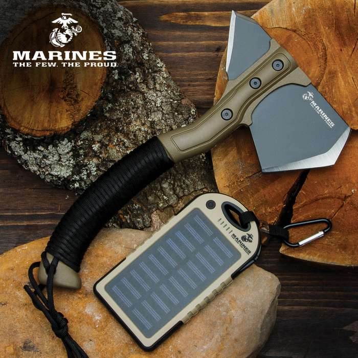 Our USMC Utility Kit includes two must-have tools for any mission, and both have the official seal of approval from the Marine Corps