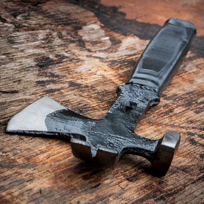 3-in-1 Multifunction Hatchet