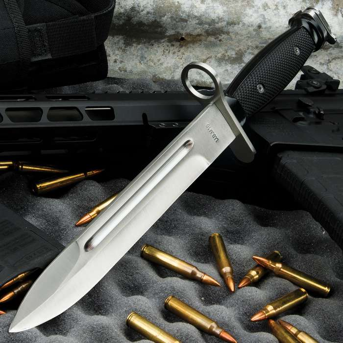 M7 Bayonet Knife - Replica; Made for use on Vietnam-Era M-16 Rifles - NEW