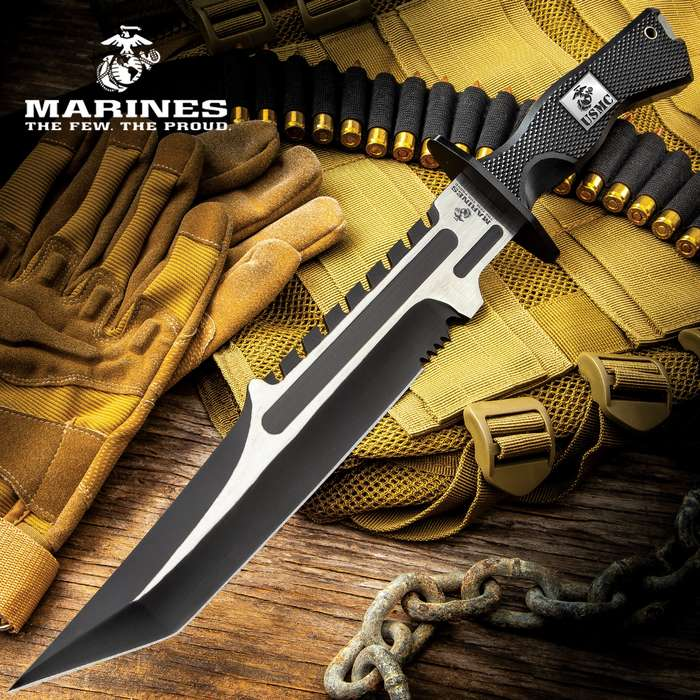This fixed blade knife cuts swiftly and quietly through any task just like the silent and deadly ocean predator it's named for