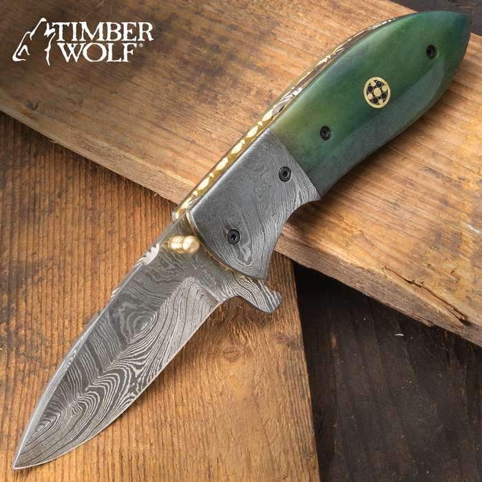 The Silver Dragon Marbleized Pocket Knife looks like it was mined directly from one of the famous marble quarries in China