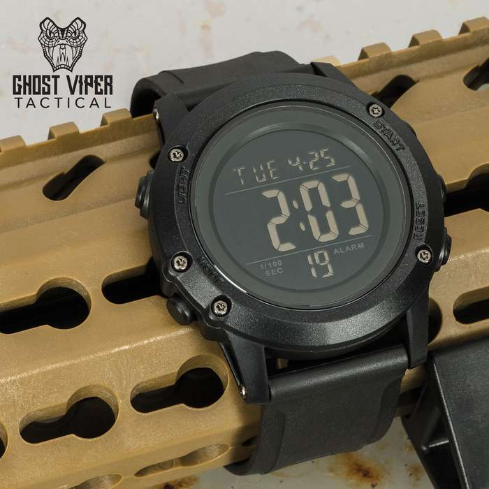 This black tactical, digital watch has loads of features including 12/24 hour time, auto calendar, alarms and count down