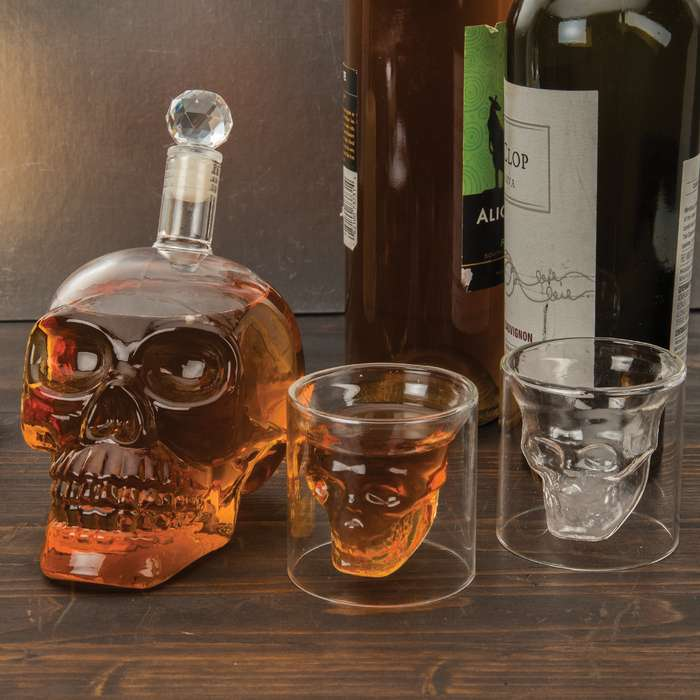 You just can't pass up this awesome Crystal Skull decanter and shot glass set as an conversation piece for your bar