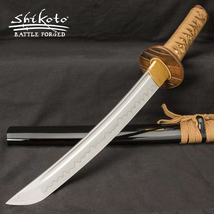 This Shikoto tanto was inspired by and is worthy of the warrior who fights in the shadows – the Ninja hidden in the night