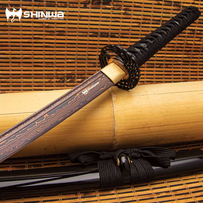 The HellFyre Damascus Royal Warrior Katana symbolizes the top quality sword making for which Shinwa is renowned