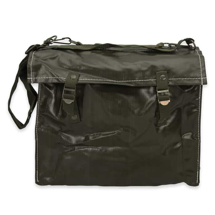 The Czech M85 series of combat shoulder bags were originally designed for safe transport of gas masks