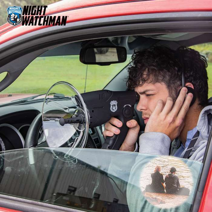 Great for private investigators or for observing birds and animals, the listening device comes complete with an 8X monocular