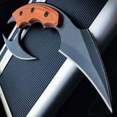 "Dual Blade Karambit Knife With Sheath - Hardened 440C Blades, Wooden Handle - Length 7"""