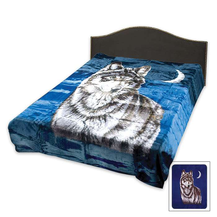 Wolf With Moon Blue Blanket - Queen Size