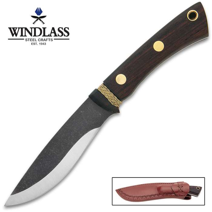 This fixed blade is reminiscent of trade knives of the 18th century and is a beautiful example with a modern touch