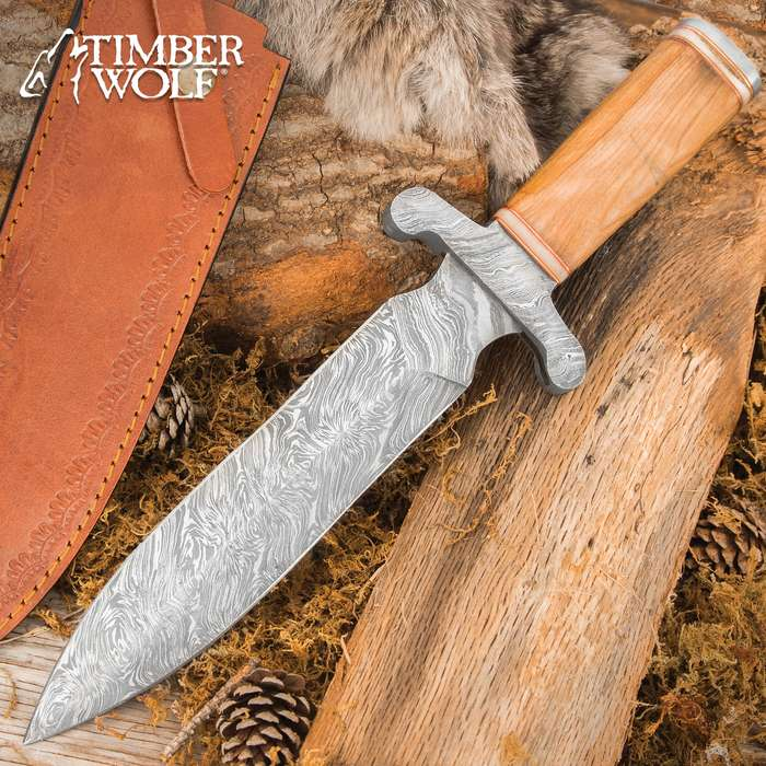 The beefy Timber Wolf Greco Knife might have been used by one of the formidable Spartan warriors in battle