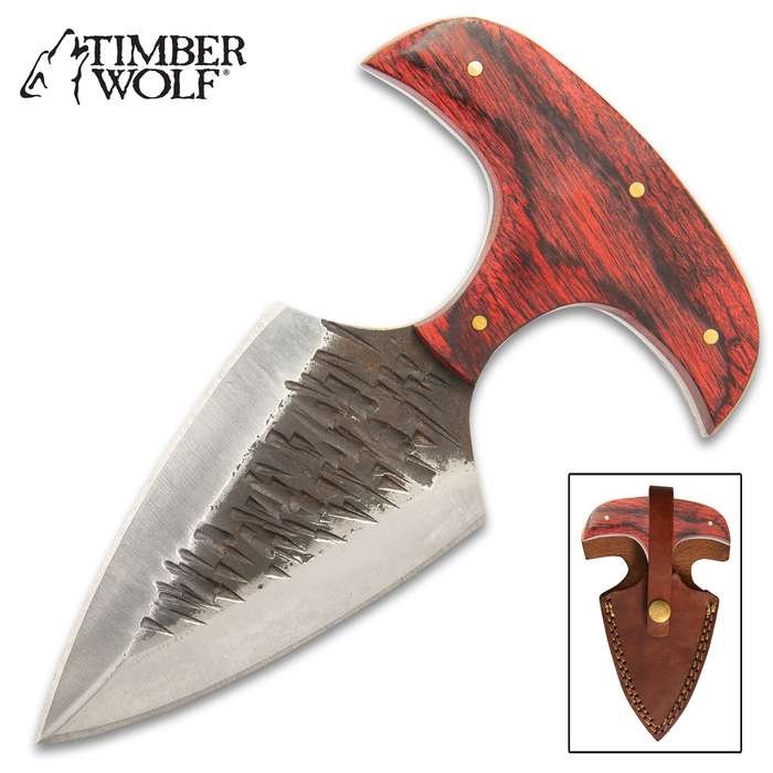 The Copper River Push Dagger from Timber Wolf is a muscular weapon from its stocky, pointed blade to its solid, hefty handle