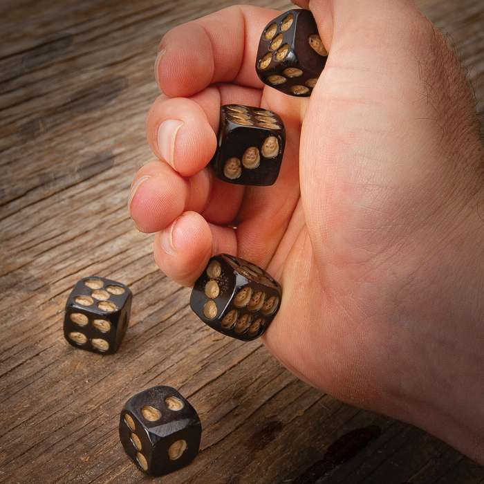 Black Skulls Gaming Dice Set - Crafted Of High-Quality Resin, Detailed Skull Accents, Five Die - Dimensions 18mm