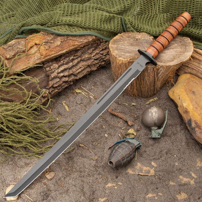 1942 Marine Combat Sword with Sheath