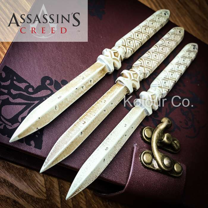 """Assassin's Creed Aguilar's Throwing Knife Replica Set with Faux Leather Pouch, """"Journal"""" Box"""