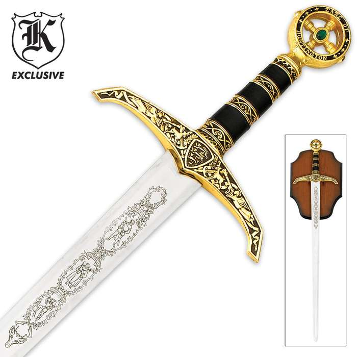 Full Size Middle Ages Robin Hood Sword And Wall Plaque