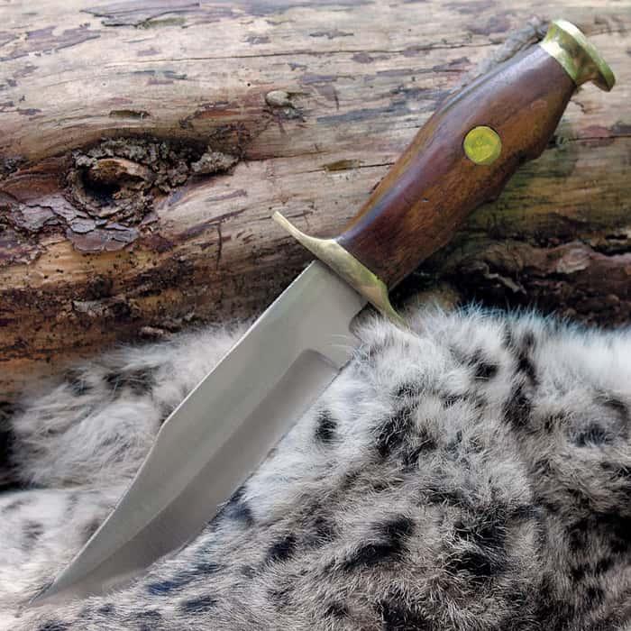 Mountain Man Classic Hunting Knife And Sheath