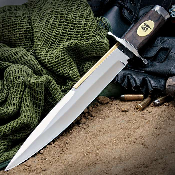 """Gil Hibben """"Expendables 2"""" Toothpick Knife And Leather Sheath"""