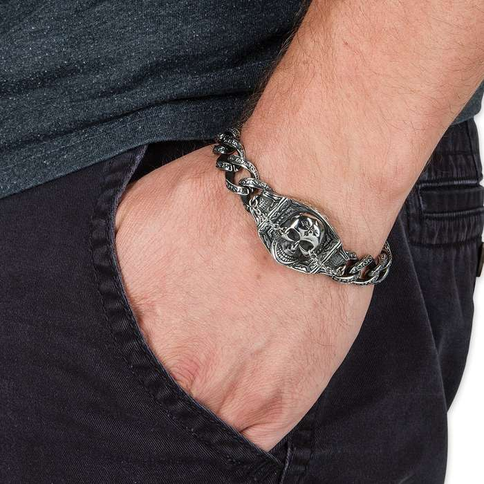 The Gauntlet Master - Stainless Steel Skull and Chains Bracelet