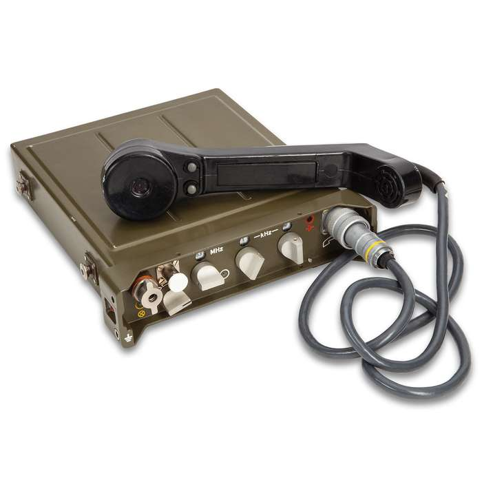 Czech Military RF10 Radio Set With Carrying Bag - Used, Portable Antennas, Long-Wire Antennas, Earpiece, Rechargeable Battery Pack
