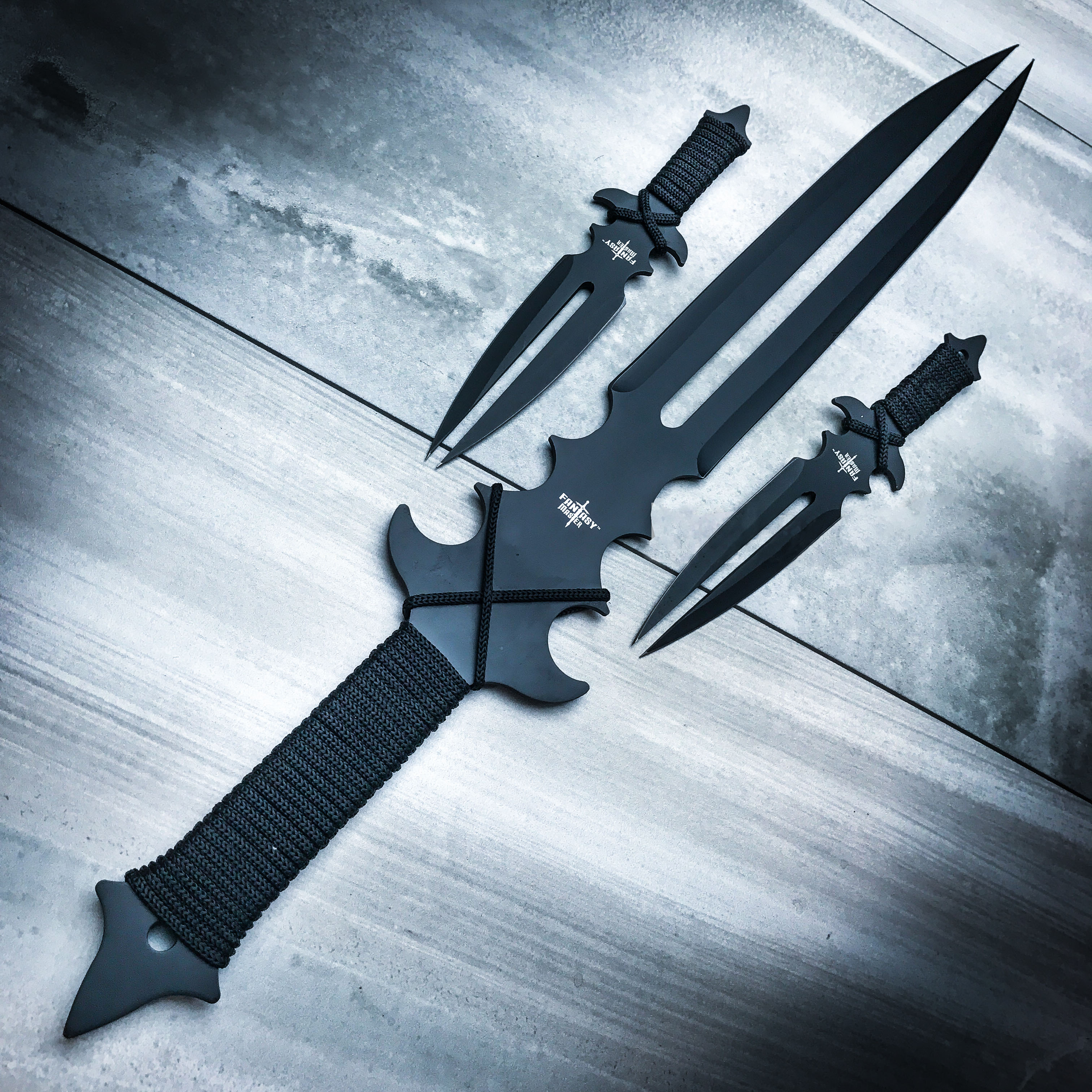 Fantasy Master Fang Clan 3 Piece Short Sword And Twin