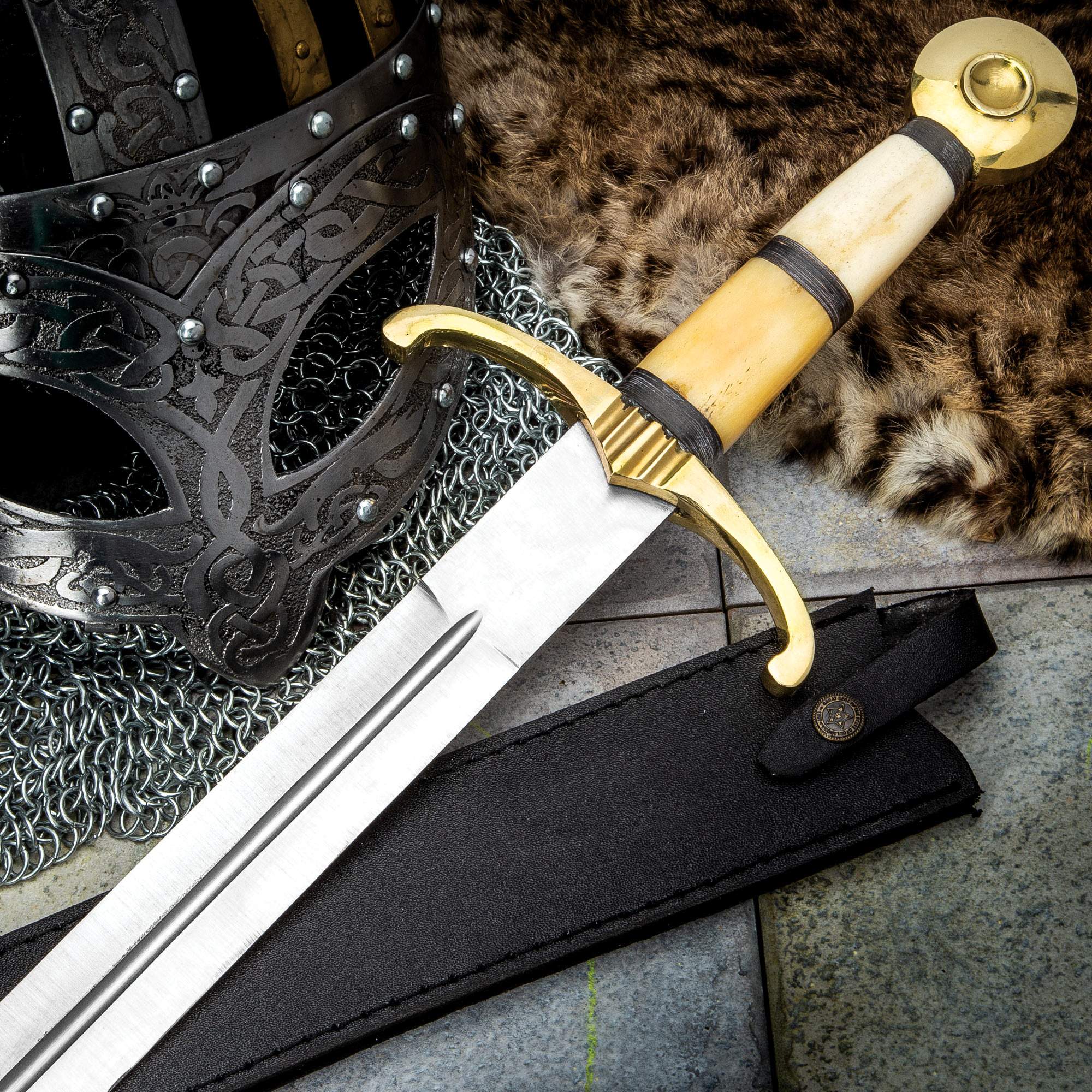 how to make a swor or.knifes handles