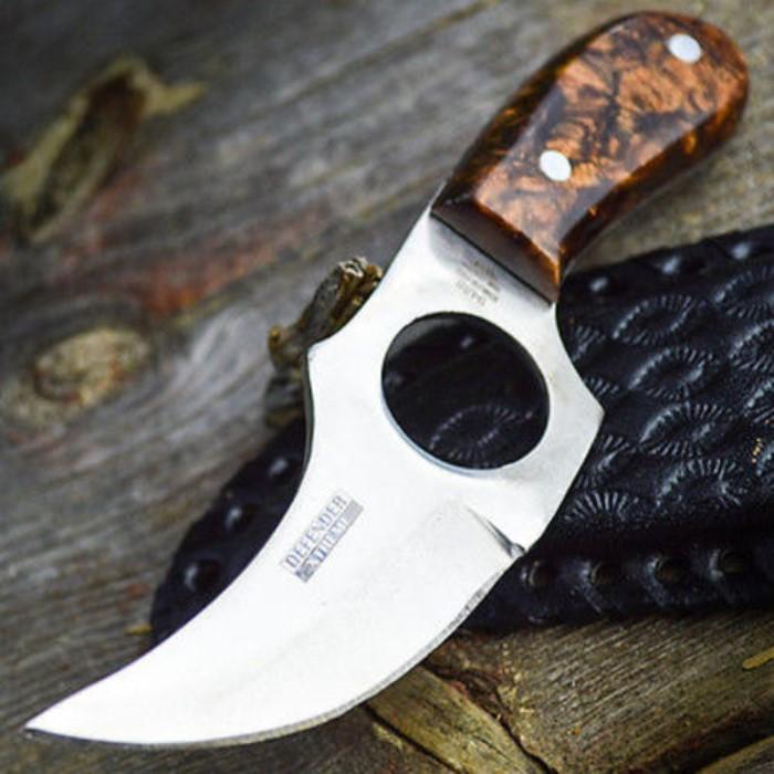 Knuckler knife