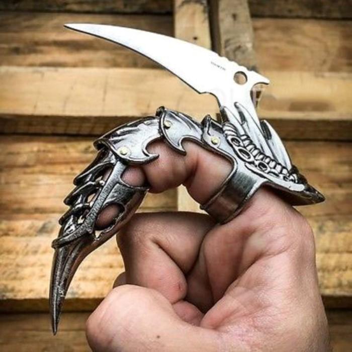 Iron Dragon Claw Karambit Style Knife