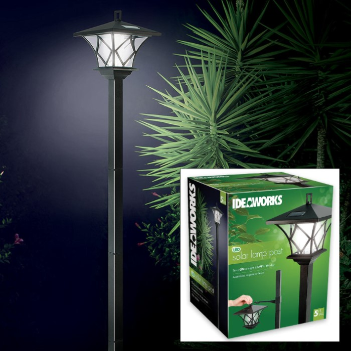Ideaworks Outdoor Solar String Led Lights: Ideaworks Solar LED Lamp Pole