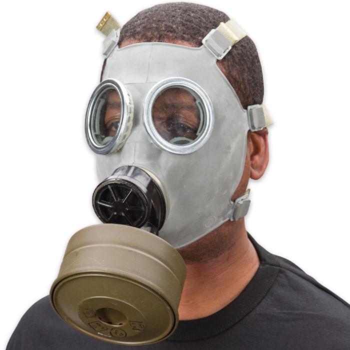 Surplus Polish Mc 1 Gas Mask W Filter And Camo Bag Budk